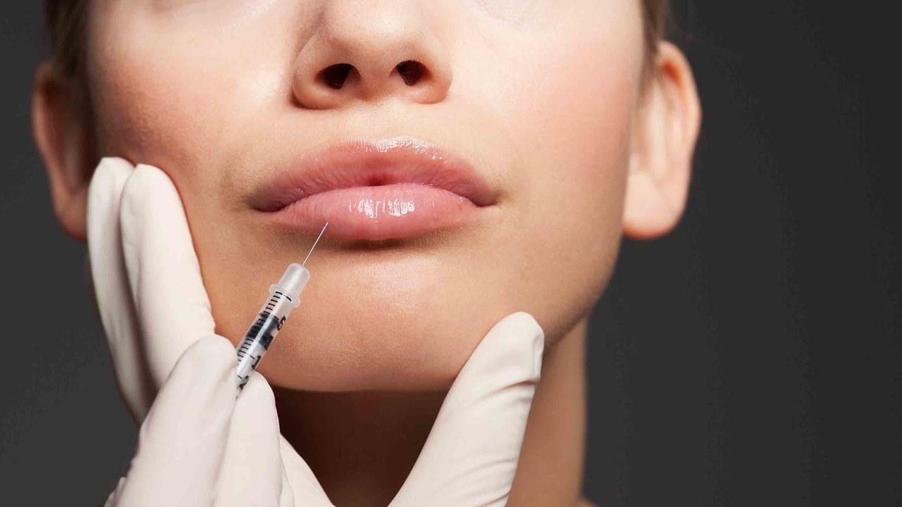 Коррекция ваших губ в Coolaser clinic