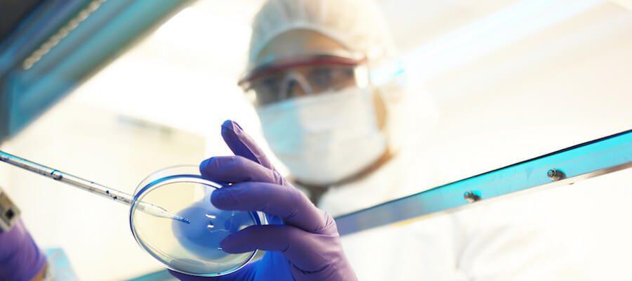 применение стволовыч клеток в Coolaser clinic Кеив